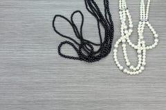 Perle et collier noir, accessoires de femmes Rebecca 36 Photo stock