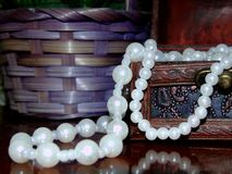 Perle le necklake antique Photographie stock