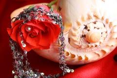 Perle rouge de Rose Image libre de droits