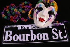 Perle un masque et une rue de Bourbon Photographie stock libre de droits