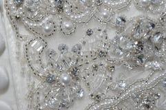 Perle und Crystal Wedding Dress Detail Stockbilder