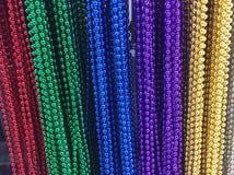Perle variopinte della collana fotografia stock