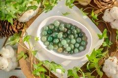Perle verdi di aventurine Fotografia Stock Libera da Diritti