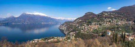 Perledo und See Como, wie von Vezio gesehen Lizenzfreies Stockfoto