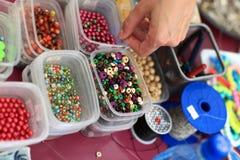 Perlen in den Kästen Lizenzfreies Stockfoto