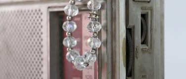 Perlen gemacht von den Edelsteinsteinen Stockfoto
