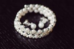 Perlen-Hochzeits-Schmuck Lizenzfreie Stockfotografie