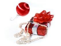 Perlen und Geschenk Stockfoto
