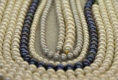Perlenhalsketten Stockbilder