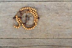 Perles de chapelet sur la table Image libre de droits