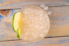 Perles de tapioca avec la limette. thé de bulle Images libres de droits