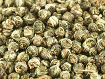 Perles de thé vert chinois Images libres de droits