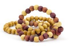 Perles en bois de couleur Image stock