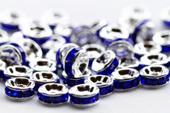 Perles en cristal colorées pour des bijoux de bracelets Image libre de droits