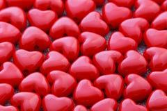 Perles en forme de coeur rouges Image stock