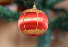 Perles en verre pour décorer l'arbre de Noël Images libres de droits