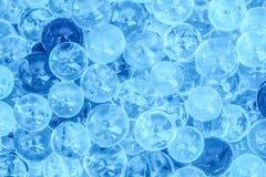 Perles en verre rayées brillamment colorées pour faire le fond i Images stock