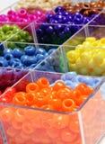 Perles pour des bijoux de métiers Photos libres de droits