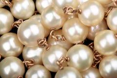 Perlt Halskettenextremnahaufnahme Stockfoto