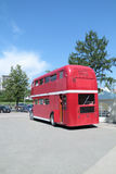 PERM, ΡΩΣΊΑ - 11 ΙΟΥΝΊΟΥ 2013: Παλαιός καφές Κεντάκυ διώροφων λεωφορείων Στοκ Εικόνες