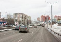 Perm, październik 31,2015: Ruch drogowy Obraz Royalty Free