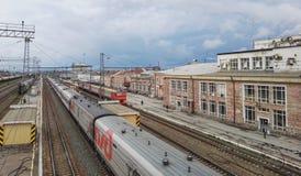 Perm, Rosja, Czerwiec 2017 Projekt jest podróżny w Rosja Perm II Perm Vtoraya stacja kolejowa Fotografia Royalty Free