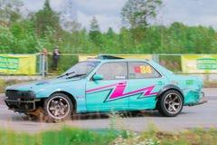 PERM ROSJA, JUL, - 22, 2017: Dryfować szybko zielonego samochód Obraz Stock