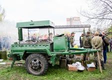 Perm Rosja, Maj, - 09 2016: Śródpolna kuchnia z militarnym porrid Obrazy Royalty Free