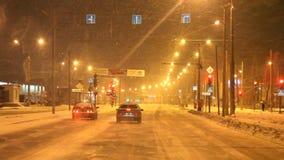 Perm, Russia - 29 gennaio 2017: Traffico sulle vie della città archivi video