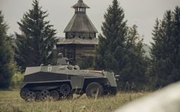 PERM, RUSSIA - 30 LUGLIO 2016: Rievocazione storica della seconda guerra mondiale, estate, 1942 Autoblindata tedesca Fotografia Stock Libera da Diritti