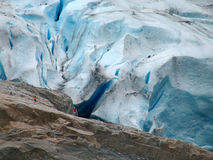 Permafrost. Gletsjer Briksdalsbreen Stock Afbeeldingen