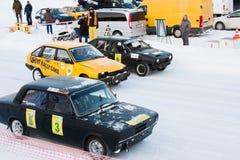 PERMANENT, RUSLAND, 17 JANUARI 2016 Autorennen bij het stadion Royalty-vrije Stock Afbeelding