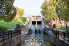 Permanent, Rusland - September 26 2016: Waterkanaal in park Royalty-vrije Stock Afbeelding