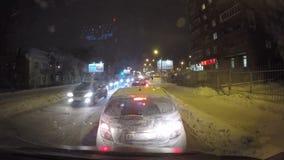 Permanent Ryssland - Januari 29 2017: Trafik på stadsgator lager videofilmer
