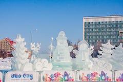 Permanent Ryssland - Januari 28 2017: Utställning av en isskulptur Arkivfoto
