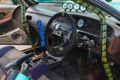 PERMANENT RYSSLAND - JULI 22, 2017: Chaufförkabin i sportbil Arkivfoton