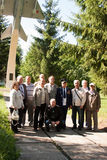 PERMANENT RYSSLAND, JULI 04 2015: Folket tar bilder på ett möte av veteran av flyghögskolan Royaltyfri Fotografi