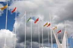 PERMANENT RYSSLAND - JUNI 10, 2012: Många flaggor av vita nätter för festival Arkivbild
