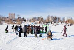 Permanent Ryssland - mars 11 2017: Konkurrenser av fiskare Arkivbilder