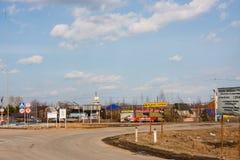 Permanente, Rússia - 16 de abril 2016: Carro dos quadros de avisos da estrada Fotos de Stock