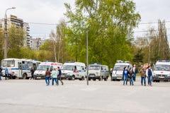 Permanente, Rússia - 9 de maio 2016: Carros do serviço o salvamento Imagens de Stock Royalty Free