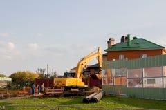 Permanente, Rússia - 26 de setembro 2016: Funcionamento da máquina escavadora Fotografia de Stock Royalty Free