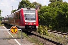 Permutez le train laissé photo libre de droits