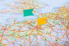 Perno del mapa en un mapa de Francia Imágenes de archivo libres de regalías