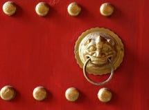 Perno di porta dorato del drago Fotografia Stock Libera da Diritti
