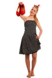 Perno retro del estilo encima de la muchacha con el pelo rubio en vestido negro con whi Foto de archivo libre de regalías