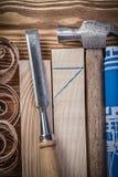 Pernos prisioneros de madera de ingeniería del dibujo de garra del cincel plano azul del martillo sh Imagen de archivo libre de regalías
