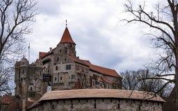 Pernstejn Schloss lizenzfreie stockbilder