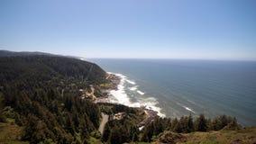 Η άποψη από το ακρωτήριο Perpetua αγνοεί, ακτή του Όρεγκον στοκ φωτογραφία