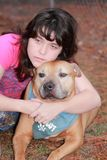 Perro adolescente triste deprimido de la muchacha Fotografía de archivo